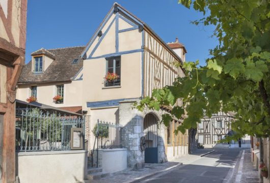 Aux Vieux Remparts by The Originals Hotels