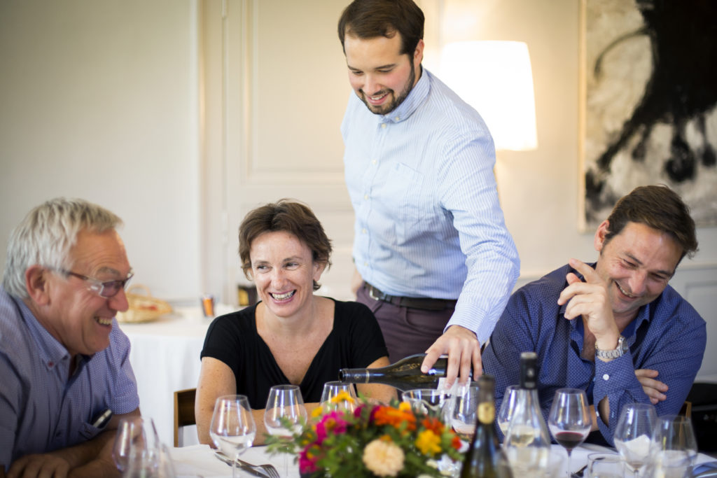 Dégustation oenologique domaine viticole Occitanie