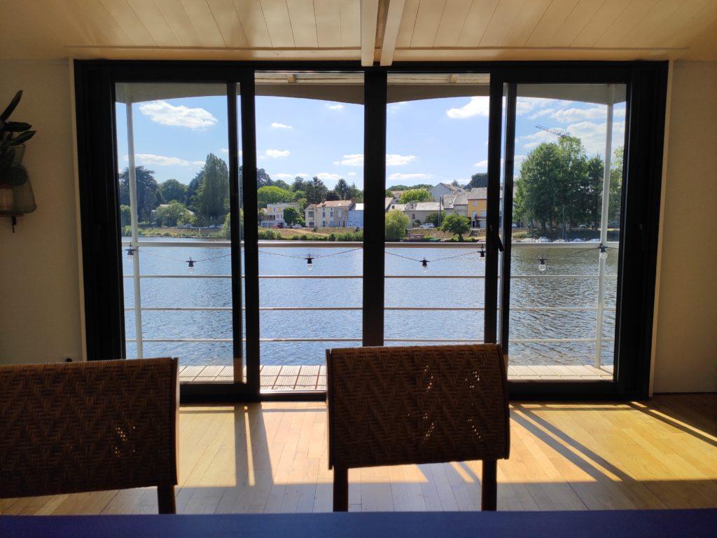 Une réunion sur un bateau à Nantes