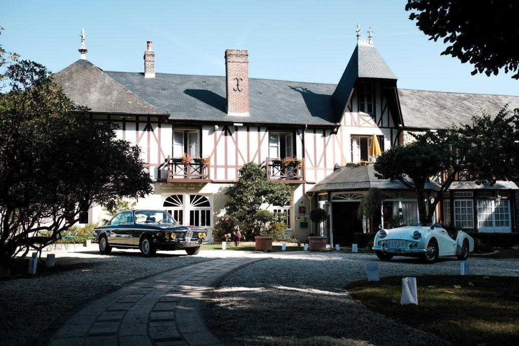 Manoir du Lys avec sa façade à colombages pour un séminaire à la campagne