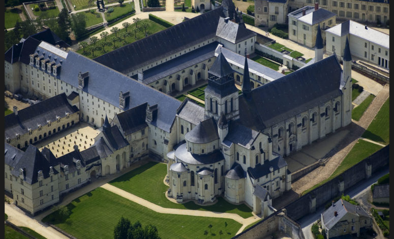 Vue du ciel Abbaye de Fontevraud, prêt de Saumur